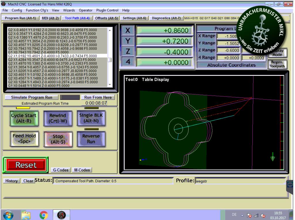 Mit dem Programm Mach3 wird gefräst - hier sieht man die Bewegungsbahnen des Fräsers.